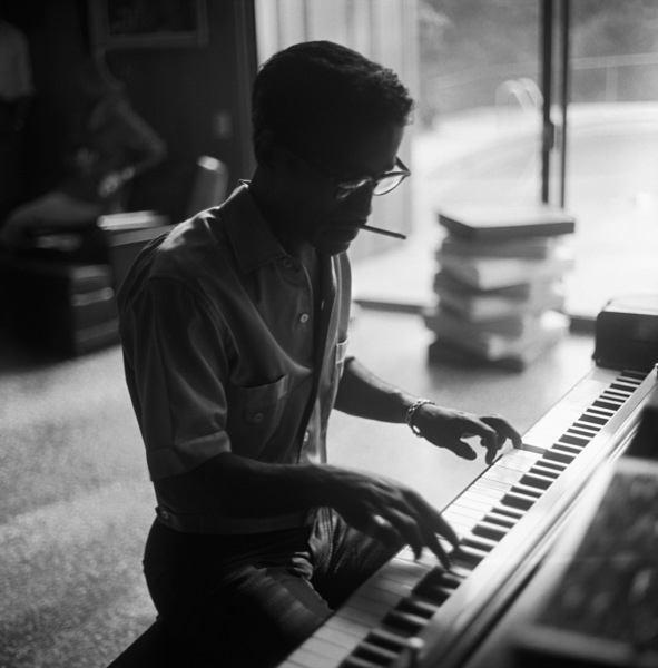 Sammy Davis Jr. at his Hollywood Hills home playing the piano1960© 1978 Sid Avery - Image 0009_0117
