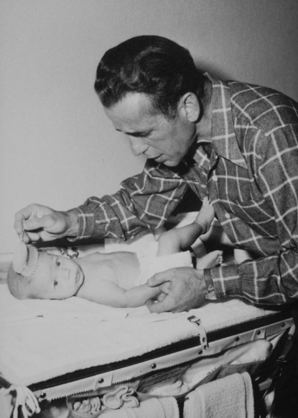Humphrey Bogart and his son, Stephen, at home, 1949.MPTV - Image 0015_1009