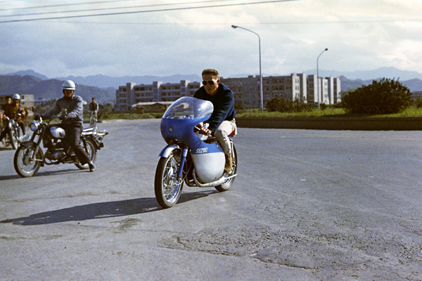 """Steve McQueen in Japan during the filming of """"The Sand Pebbles""""1966 © 1978 Ted Allan - Image 0019_0826"""
