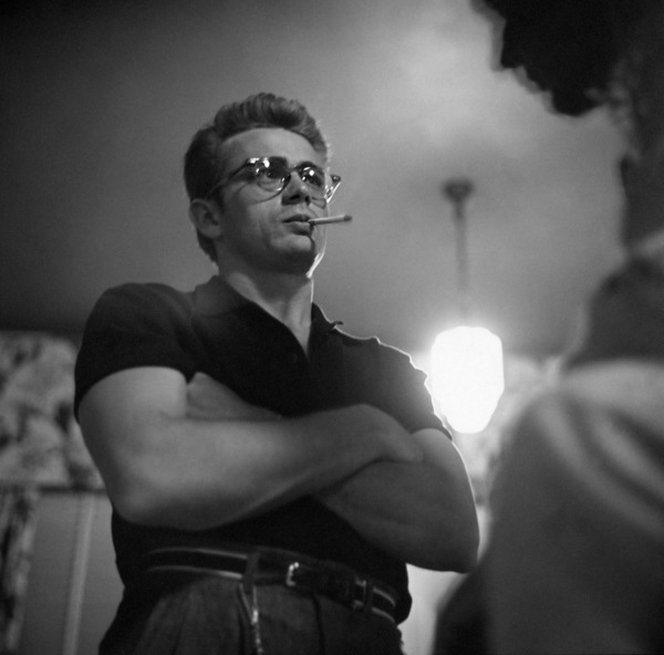 """James Dean on location for """"Giant"""" in Marfa, Texas 1955 © 1978 Sid Avery - Image 0024_0031"""