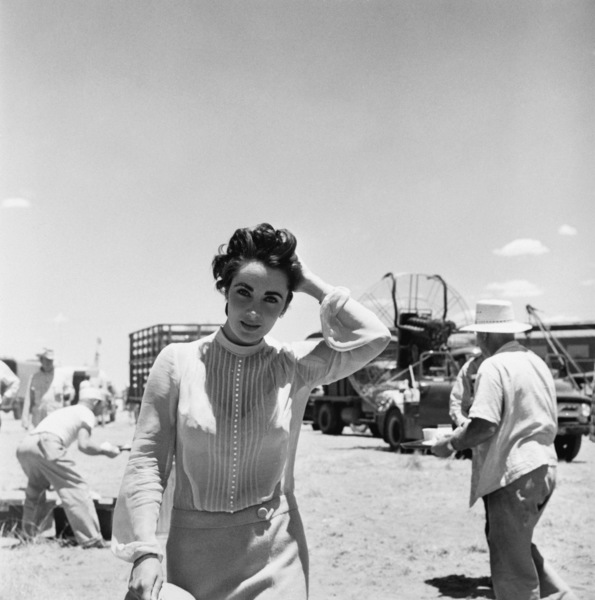 """Elizabeth Taylor on location for """"Giant"""" in Marfa, Texas1955© 1978 Sid Avery - Image 0024_0111"""