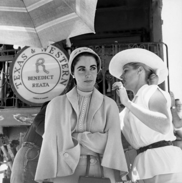 """Elizabeth Taylor on location for """"Giant"""" in Marfa, Texas1955© 1978 Sid Avery - Image 0024_0168"""