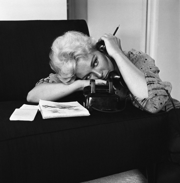 Kim Novak at home in Los Angeles1956© 1978 Sid Avery - Image 0036_0008
