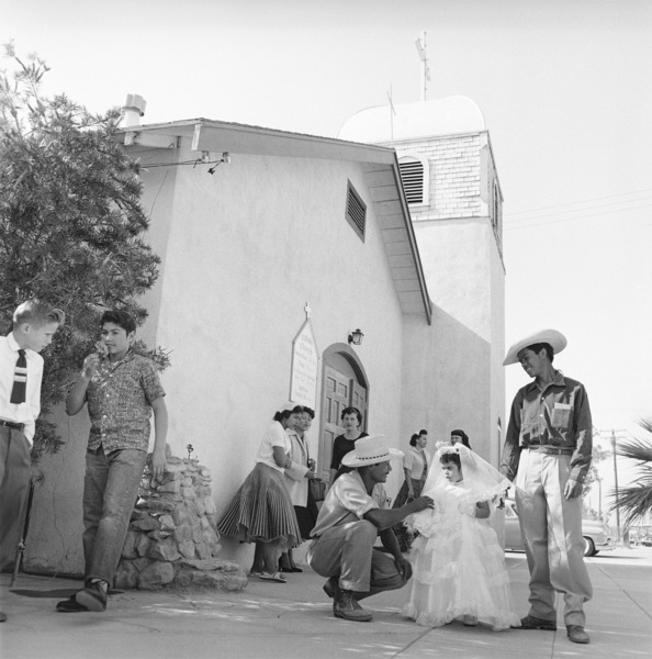 "Mexican Braceros (""Helping Hands from Mexico"" - The Saturday Evening Post - August 10, 1957 - volume 230, number 6)1957© 1978 Sid Avery - Image 0063_0032"