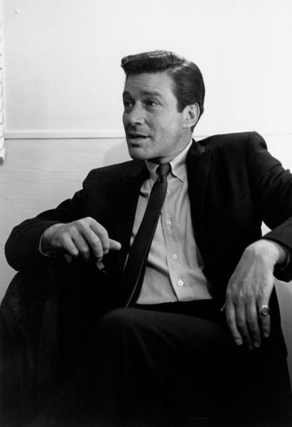 "Efrem Zimbalist Jr. on the set of ""77 Sunset Strip""1961 © 1978 Sid Avery - Image 0286_0179"