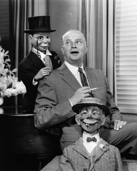 Edgar Bergen with Charlie McCarthy and Mortimer Snerd in an advertisement for L & M Cigarettes1956 © 1978 Sid Avery - Image 0322_0006