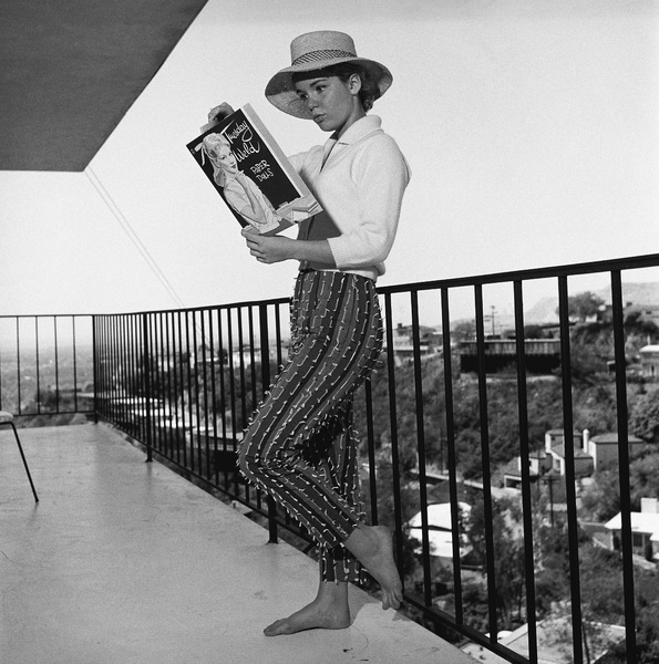 Tuesday Weld at home in Los Angeles, CA1960© 1978 Sid Avery - Image 0335_0004