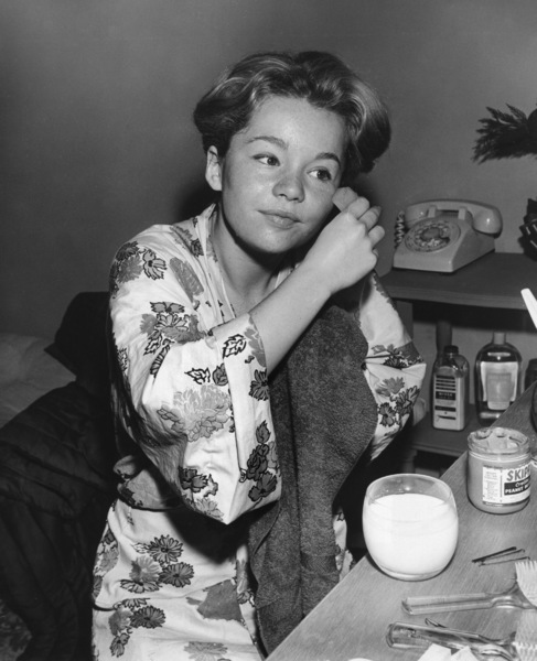 Tuesday Weld at the make-up tableC. 1959Photo by Joe Shere - Image 0335_0349