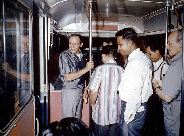 Frank Sinatra on a Hong Kong bus / 1962 © 1978 Ted Allan - Image 0337_0767