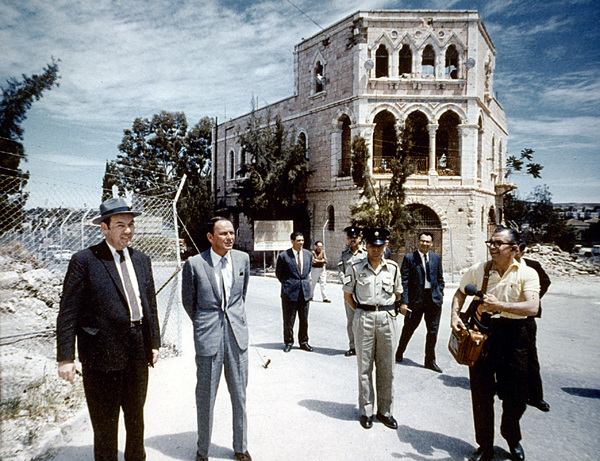 Frank Sinatra visits Israelc. 1964 © 1978 Ted Allan - Image 0337_0772