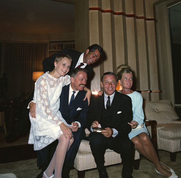 Frank Sinatra and Mia Farrow on their wedding day with guests Richard Attenborough, Dean Martin and Jeanne Martin1966 © 1978 Ted Allan - Image 0337_0857