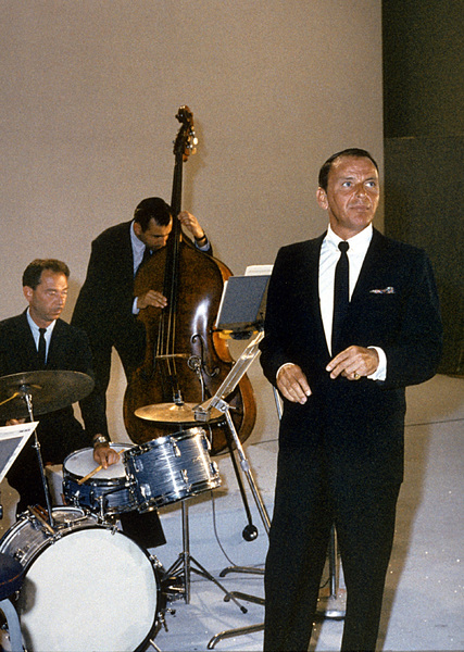 Frank Sinatra in a recording sessionc. 1960 © 1978 Ted Allan - Image 0337_1134