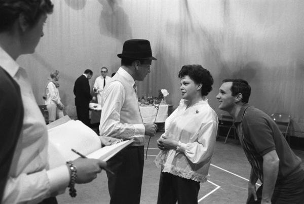 """The Judy Garland Show""Judy Garland, Frank Sinatra, Norman Jewison1962 © 1978 Bob Willoughby  - Image 0337_1697"