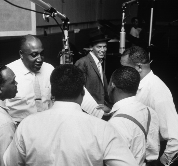 Frank Sinatra with the Nuggets at a Capitol Records recording session1955© 1978 Sid Avery - Image 0337_1803