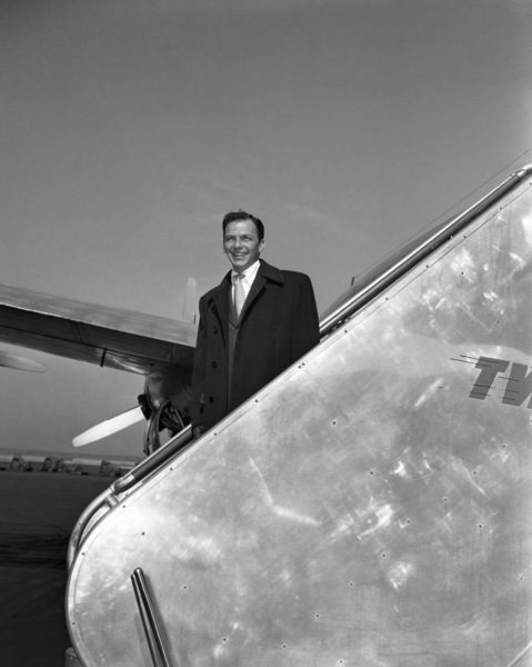 Frank Sinatra at LaGuardia airport in New Yorkcirca 1947© 1978 Barry Kramer - Image 0337_2823