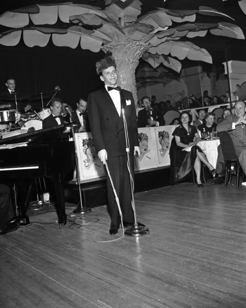 Frank Sinatra performing at the Copacabana (nightclub) in New Yorkcirca 1943© 1978 Barry Kramer - Image 0337_2825
