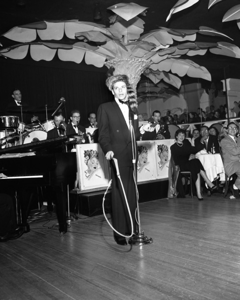 Frank Sinatra performing at the Copacabana (nightclub) in New Yorkcirca 1943© 1978 Barry Kramer - Image 0337_2827
