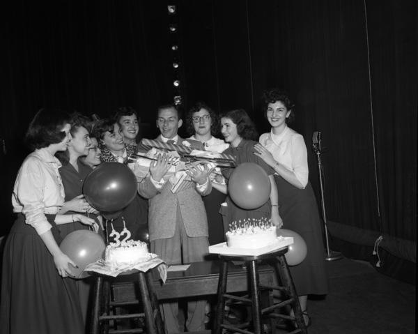 Frank Sinatra on his 32nd birthday1947© 1978 Barry Kramer - Image 0337_2847