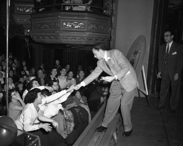 Frank Sinatracirca 1947© 1978 Barry Kramer - Image 0337_2860