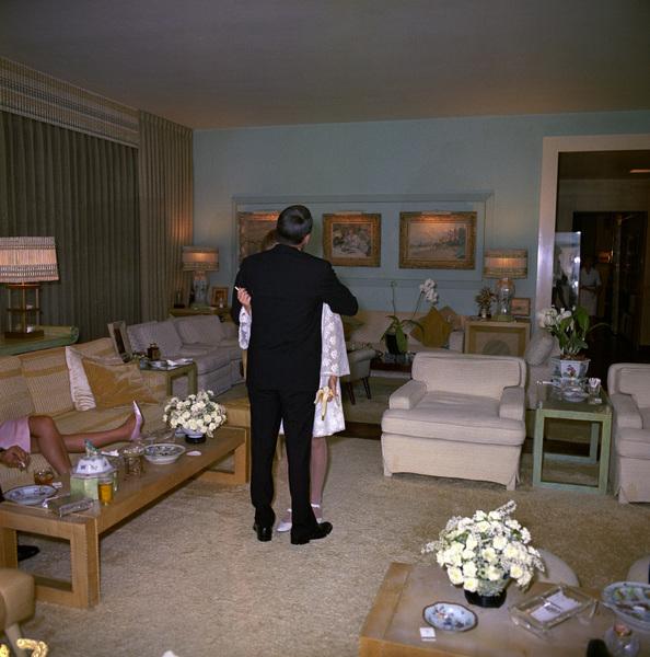 Mia Farrow on her wedding day to Frank Sinatra1966 © 1978 Ted Allan - Image 0337_2898