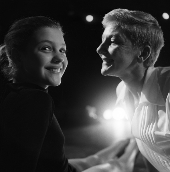"Mary Martin and daughter Heller Halliday during rehearsals for ""Peter Pan""1954© 1978 Bob Willoughby - Image 0549_0099"