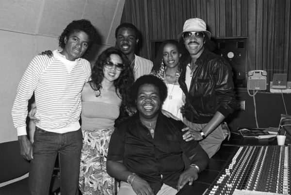 Michael Jackson, Brenda Richie and Lionel Richie with the studio staff at Lion Share Recording Studios in Los Angeles 1981 © 2009 Bobby Holland - Image 0628_0151