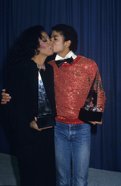 "Michael Jackson and Diana Ross at ""The American Music Awards""1981© 1981 Gary Lewis - Image 0628_0177"
