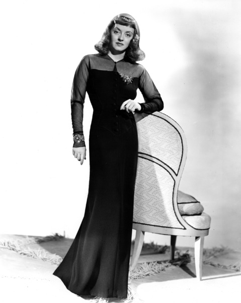 "Bette Davis publicity photo for ""The Great Lie,"" 1941.Photo by Elmer Fryer - Image 0701_1011"