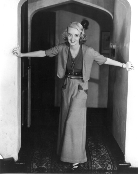 Bette Davis, 1932.Photo by Irving Lippman - Image 0701_2126