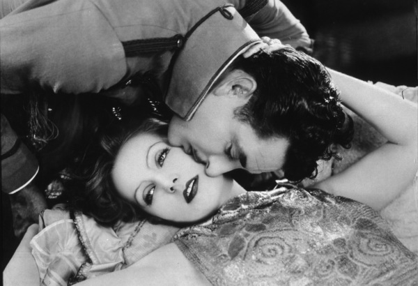 """Greta Garbo and John Gilbertin """"Flesh And The Devil""""1926 MGMPhoto by Ruth H. Louise**I.V. - Image 0702_0900"""