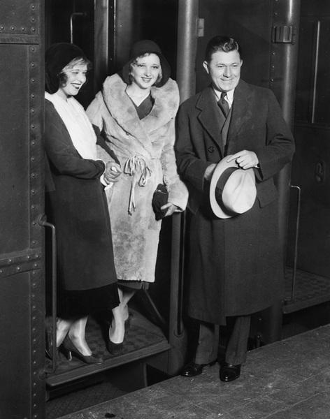 Clara Bow with Dixie Lee and Stuart Erwincirca 1933**I.V. - Image 0704_0424