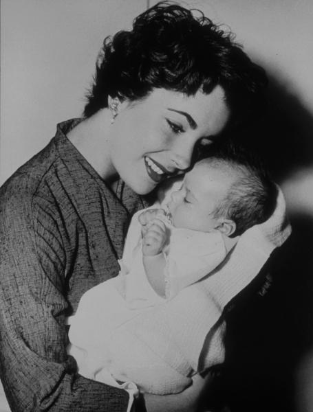 Elizabeth Taylor with son Michael Wilding1953**R.C.MPTV - Image 0712_0056