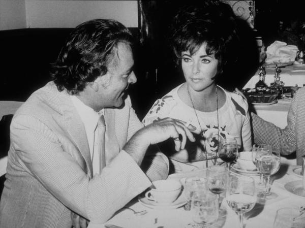 Elizabeth Taylor and Richard BurtonC. 1970MPTV - Image 0712_2248
