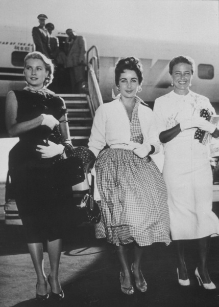 Elizabeth Taylor, Grace Kelly and Loraine Day arriving in New YorkSeptember 2, 1954**I.V. - Image 0712_5031