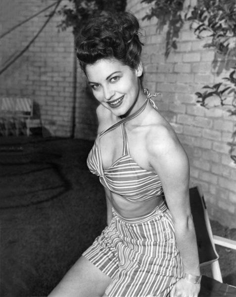 Ava Gardner modeling candy striped playsuit 1944** I.V. - Image 0713_0606