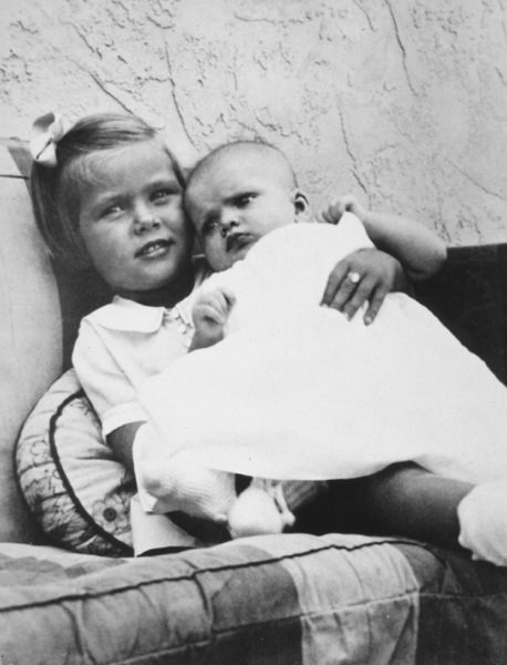 Grace Kelly age 4 with her 3 month old sister Lizanne, c. 1933 - Image 0724_0118