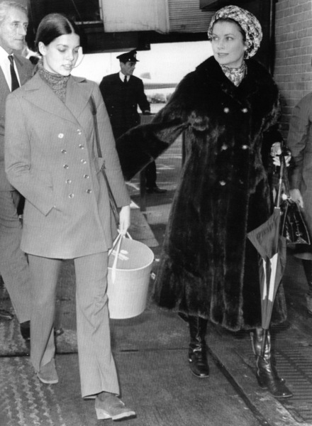 Grace Kelly and daughter Princess Caroline.3/15/71. - Image 0724_0224