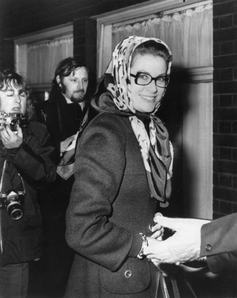 "Grace Kelly arriving at the royal festival hall to rehearse for the charity show ""Nights Of Nights,"" 1970. - Image 0724_0246"
