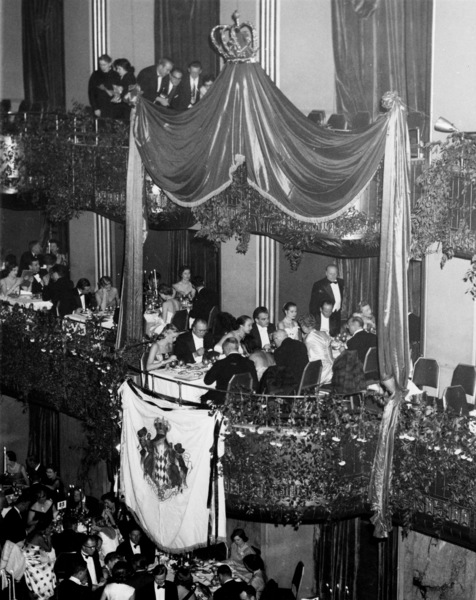 Grace Kelly with Prince Rainier at the charity ball in Hotel Waldorf-Astoria, NY, 1956.**I.V. - Image 0724_0295