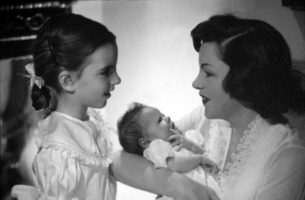 Judy Garland with daughters Liza Minnelliand Lorna Luft (baby), 1953. © 1978 John Engstead - Image 0733_0031
