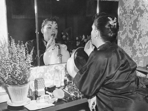 Judy Garland backstage at London Palladium 1957** I.V. - Image 0733_2206