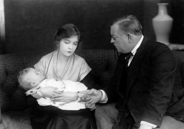 Lillian Gish, INNOCENT MAGDALENE, AN, Triangle-Fine Arts, 1916, **I.V. - Image 0734_0038