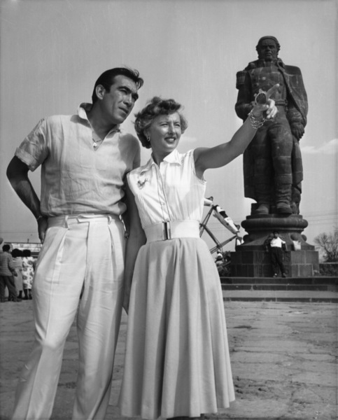 """Barbara Stanwyck and Anthony Quinn on location at Cuernavaca for """"Blowing Wild""""1953 - Image 0749_0021"""