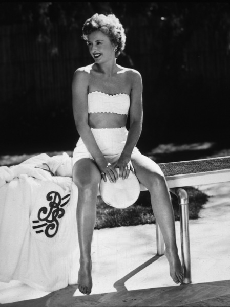 Barbara Stanwyck © 1957 John Engstead - Image 0749_0117