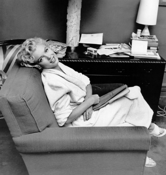 """Marilyn Monroe during a break from""""Seven Year Itch, The"""" taken in 1954. - Image 0758_0261"""