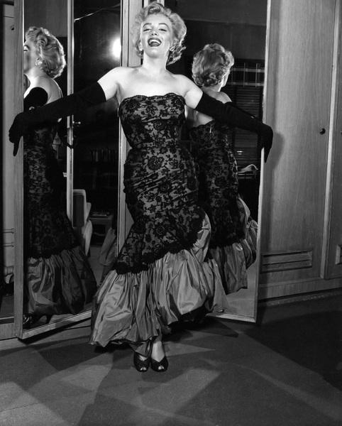 Marilyn Monroecirca 1955** I.V. - Image 0758_1081