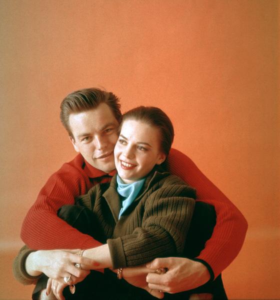 Natalie Wood with husband Robert Wagner1958 © 2001 Mark Shaw - Image 0764_0378