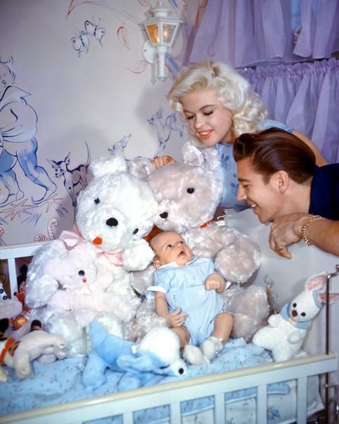 Jayne Mansfield & Mickey Hargitaywith their baby Miklos1958**I.V. - Image 0774_0637