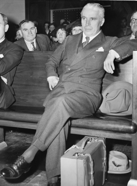 """Charlie Chaplin after the premiere of """"Great Dictator"""" at Grand Central Station, NY1940**I.V. - Image 0860_0711"""