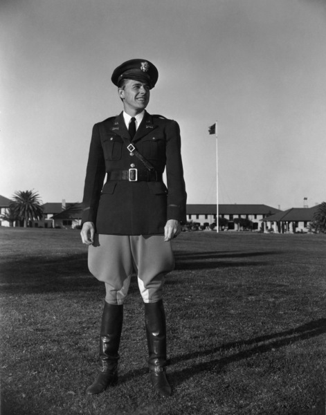 Ronald Reagan in his cavalry reserve uniform in front of the Veterans Administration building in Los Angeles1942 - Image 0871_0030